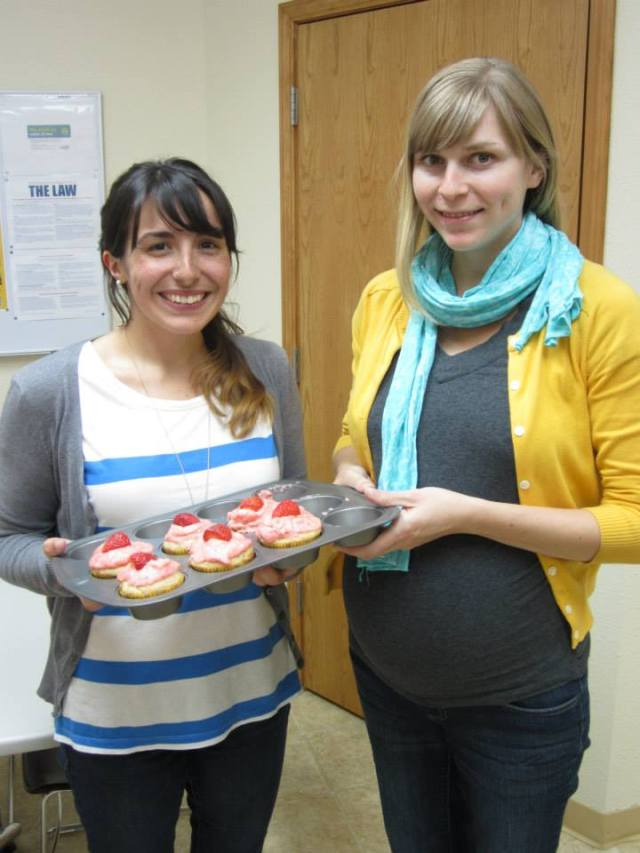 Another bonus to being pregnant: People, like Stef, make you cupcakes!