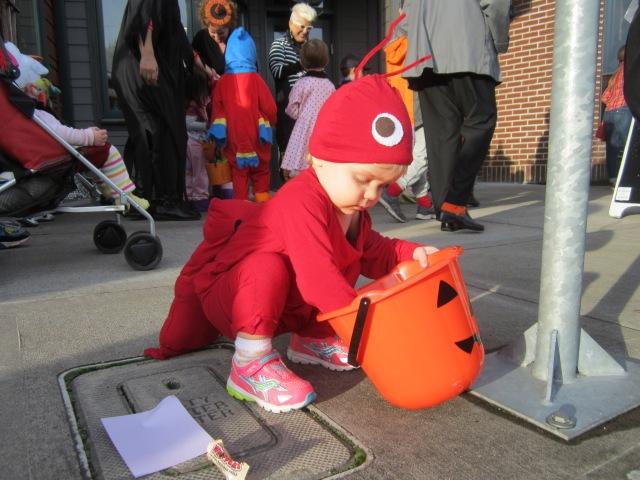 Lobster Halloween costume - Ten Thousand Hour Mama