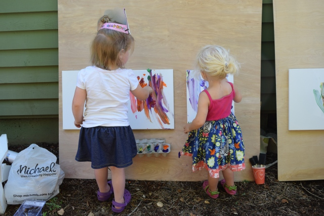DIY painting easel for kids - Ten Thousand Hour Mama